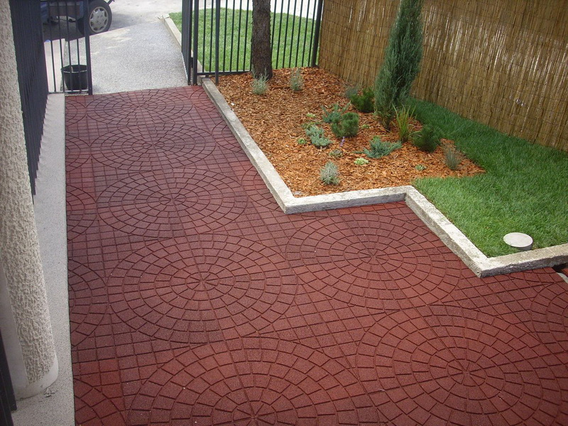Rubber tiles for courtyards